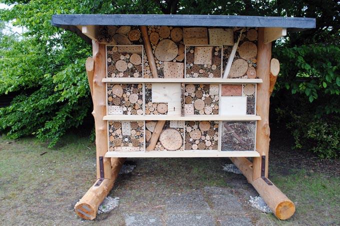 wildbienen hotel auf zollverein nabu nrw. Black Bedroom Furniture Sets. Home Design Ideas